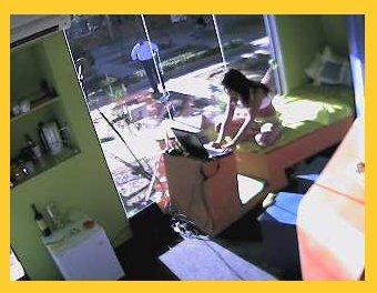 Jessica Jordan en la casa de Cristal Viva WiMAX
