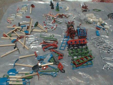 Herramientas en miniatura para la construcción