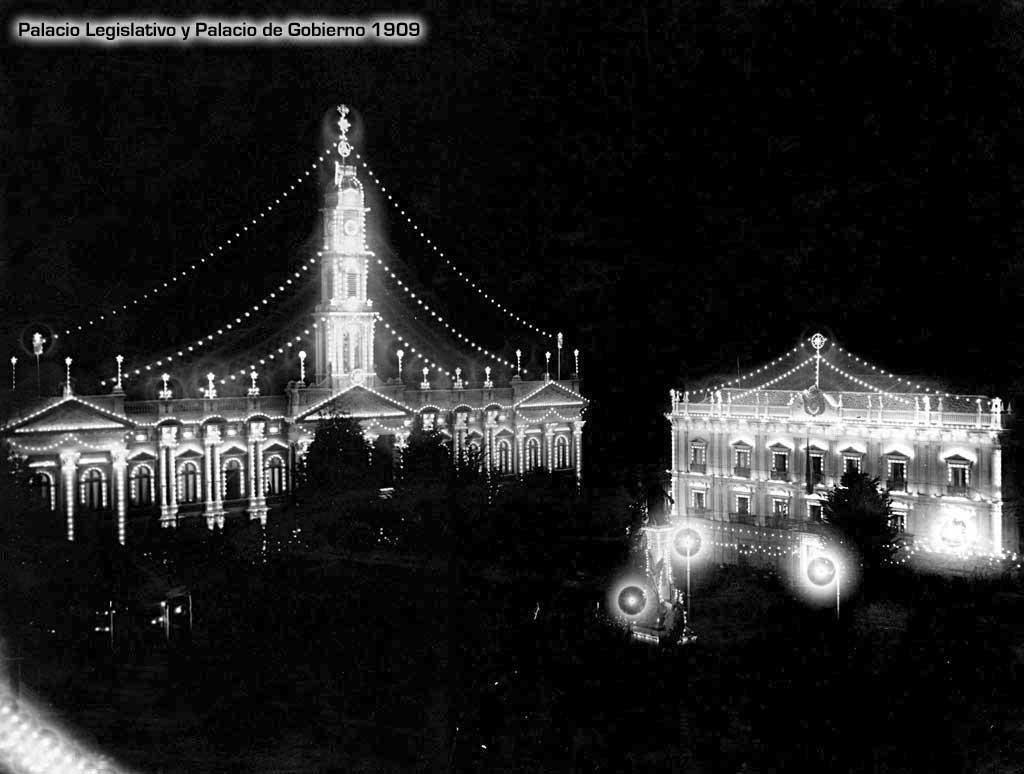 Plaza Murillo de noche