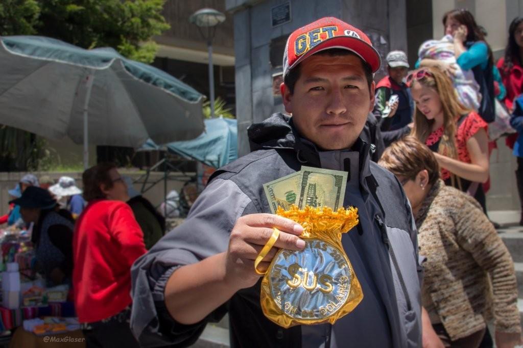 Alasitas 2015 - Vendedor de billetitos