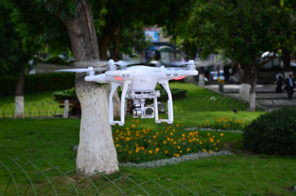 Dron en la Plaza Avaroa