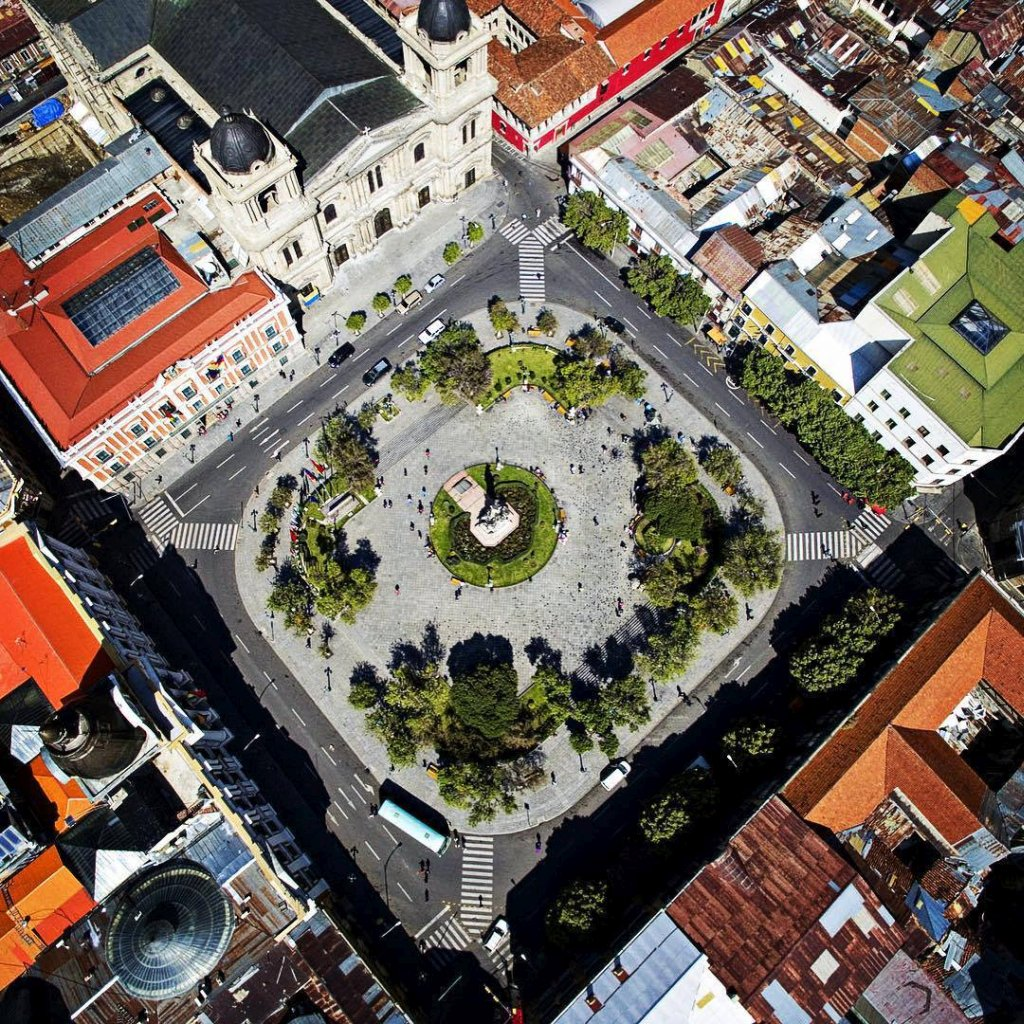 Dron sobre la Plaza Murillo