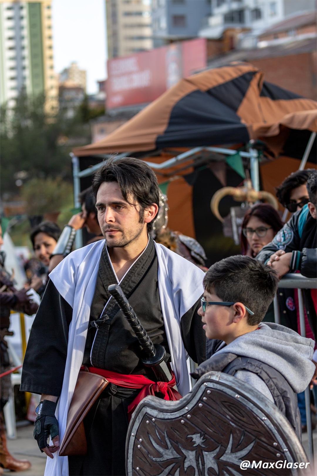 MegaFest 2018 - Samuraí entrenando a un participante