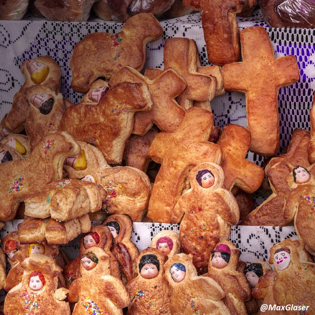 Tantawawas en la Feria del Pan de Todos Santos en San Francisco