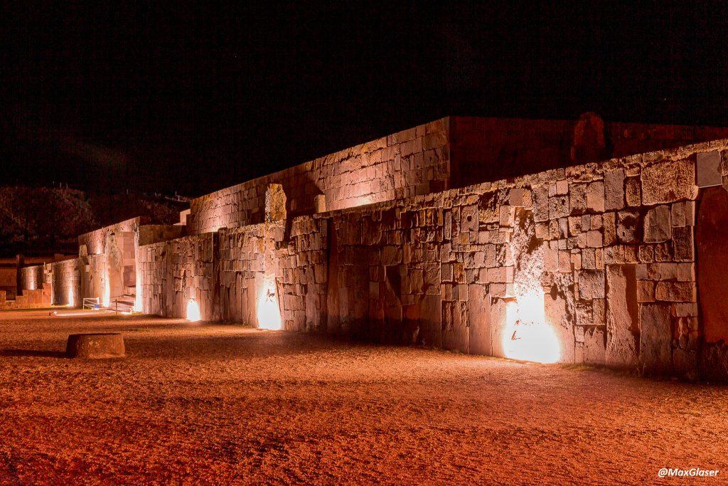 Tiwanaku de Noche - Templo de Kalasasaya